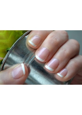 Pose de vernis simple French